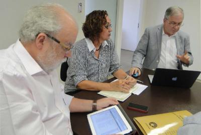 cruesp reuniao 2014 e1423324652603 — Chá d'ADu (10/04)   Luciana Viana e Eddy Andrade — ADunicamp