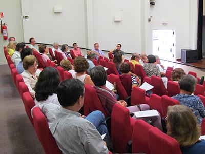 assembleia aposentados — Assembleia reafirma proposta de reenquadramento dos docentes aposentados na nova carreira — ADunicamp