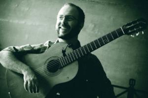 Show (14/04) | Rafael Thomaz lança CD na ADunicamp