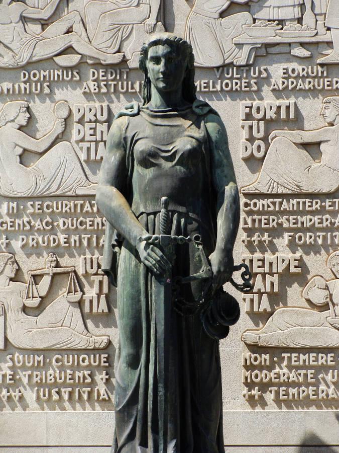 Estatua Justiça