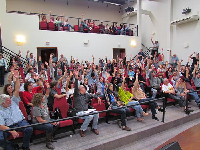 assembleia docentes 2014 — DATA-BASE 2021: A HISTÓRIA APONTA QUE SOMENTE COM MOBILIZAÇÃO AS REIVINDICAÇÕES SERÃO CONQUISTADAS — ADunicamp